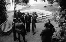 В саду дворца графа Толстого. Одесса. Фотограф Willy Pragher, 3 июня 1943 г.
