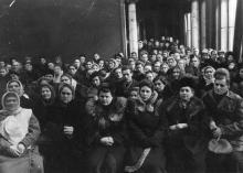 Избиратели на концерте художественной самодеятельности Дома Ученых. 27.II.55 г. Одесса, Я. Левит (732)