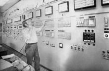 Карлушин – ст. машинист центрального пульта Одесского припортового завода. Одесская обл. 20 августа 1982 г. (9890)