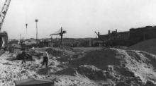 Строительство хлебной гавани на Судоремонтном заводе. Одесса, 1960 г. Выкрест (1605)