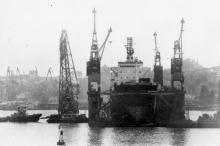 В доке судоремонтного завода им. 50-летия Советской Украины. г. Одесса апрель 1986 г. (9094)