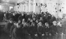 Митинг борьбы за «Мир во Вьетнаме» на Судоремонтном з-де. Одесса 1965 г. Выкрест (1669)