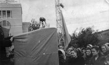 Митинг в защиту мира на заводе ЗОР. 1953 г.