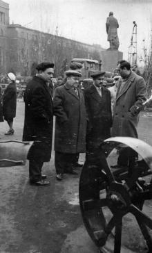Делегация Варненского округа (Болгария) на заводе ЗОР. Одесса 1963 г. Найденов (1794)