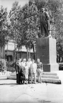 Секретарь ЦК КП Кубы на заводе ЗОР. Одесса 1966 г. Найденов (1801)