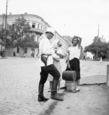 На ул. Ласточкина, 4. Одесса, начало 1930-х годов