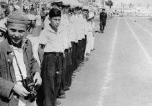 Воспитанники школы-интерната на стадионе Пищевик. Одесса, 1949 г.