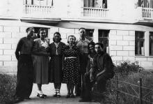 Одесса. ВСГИ. У здания общежития. 28 июня 1954 г.