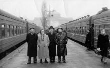 На перроне вокзала в Одессе, ноябрь 1958 г.