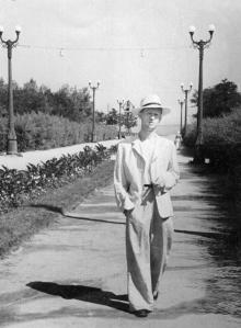 В парке им. Шевченко. Одесса. Фотограф М. Глед. 15 июля 1954 г.
