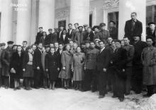 Перед входом в Одесский художественный музей, 1948 г.