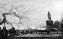 Салют в честь освобождения Одессы. Фотограф Ольга Ландер. Апрель 1944 г.