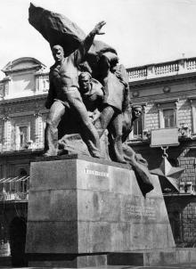 Одесса, памятник матросам-потемкинцам на пл. К. Маркса