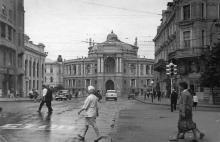 Одесса. Ленина угол Дерибасовской, вид на театр оперы и балета
