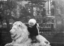 Одесса. В сквере на привокзальной площади. 1956 г.