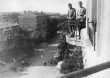 Одесса. Трамвай свернул с Успенской на Ремесленную. Фото Крикора Мангикяна. 1919 г.