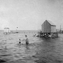 Купальни на Хаджибейском лимане. Одесса. 1905 г.