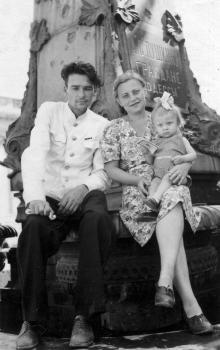 Одесса, у памятника Пушкину, 28 июня 1947 г.