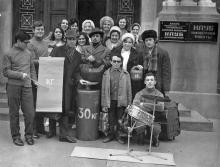 На улице Энгельса, перед Дворцом студентов. Одесса. 1980-е гг.
