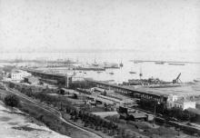 Вид на порт и Николаевскую церковь. Одесса. 1880-е гг.
