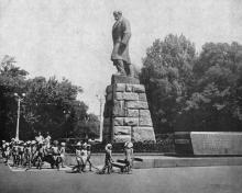 Памятник Шевченко в парке им. Шевченко