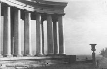Одесса. Колоннада. Почтовая карточка с надписью на обороте «Издано в Советском Союзе»