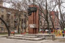Памятник М.Д. Томасу. Фото О. Владимирского, 11 марта 2016 г.