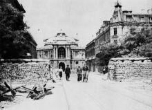 Оперный театр и ул. Ленина. Фото с сайта waralbum.ru. Одесса. 1941 г.
