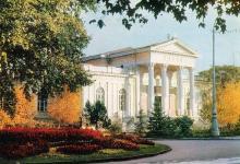 Одесса. Археологический музей. Фото А. Шагина. Открытка из набора «Город-герой Одесса». 1969 г.