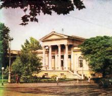 Археологический музей. Фото Юрия Дмитриевича Рейфа, 1950-е годы