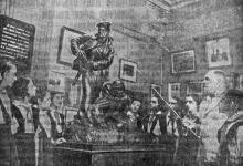 В Музее обороны Одессы. Фото И. Родионова в газете «Большевистское знамя», 26 июля 1952 г.
