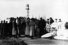 Командующий 7-й армией генерал В.Н. Никитин в сопровождении чинов штаба армии знакомится с позицией у Маяка, 1914 г.