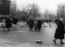 Одесса. На площади Советской Армии, рядом с памятником Воронцову. 1960-е гг.