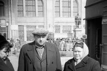 Памятник Ленину на перроне Одесского вокзала