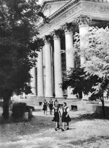 Одесская картинная галерея. Фотография в фотоальбоме «Одесса», 1965 г.