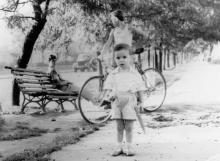 На ул. Балковской, между Иванова и Моисеенко. Фото Сергея Семеновича Сасонкина. Одесса. 1965 г.