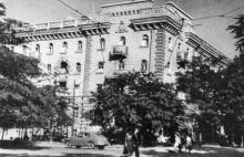 Ул. Красной Гвардии угол ул. Пастера. Фотография в фотоочерке «Одесса», 1960 г.
