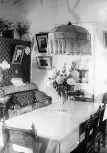 Жилая комната директора обсерватории (в 1934-1944 гг.) К.Д. Покровского