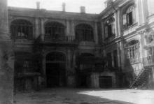 Дом № 19 по Пушкинской улице. Фотограф Андрей Онисимович Лисенко. Начало 1950-х гг.
