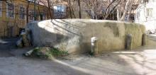 Ограда палисадника во втором дворе в доме № 19 по ул. Пушкинской. Фото Георгия Зозулевича. Ноябрь, 2004 г.