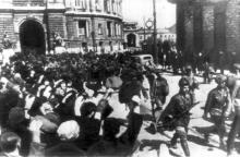 Одесса. Ул Ленина, Оперный театр. Фотография Associated Press, 17 апреля 1944 г.