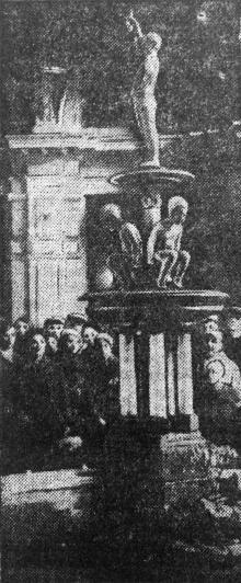 Фонтан у вестибюлі вокзалу Одеса-Головна. Фото Г. Овчаренка. «Чорноморська комуна», 20 квітня 1937 р.