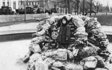 Проспект Сталина. За 119-й школой (угол Бебеля) стоят грузовики, там располагалась городская военная комендатура. Фото Никиты Осиповича Мазура. 1954 г.