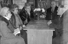 В Одесском планетарии (слева направо): сотрудники планетария Р.К. Сахарова (Канищева), М.Е. Чудновский, Э.С. Чумак, директор А.М. Костетский, профессор Киевского университета С.К. Всехсвятский