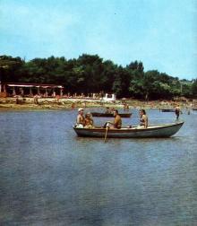 На лимане. Фото в буклете 1975 г. «Куяльник». Сдано в набор в 1974 г.