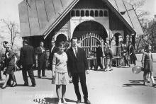 Верхний павильон фуникулера. На снимке Виктор Корченов с женой. 1 мая 1967 г.
