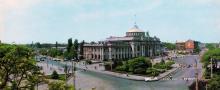 Будинок залізничного вокзалу. Фото З.А. Вишневського. З комплекту панорамных листівок «Одеса», 1973 р.