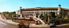 Головний корпус санаторію «Молдова». Фото Т.Б. Бакмана. З комплекту панорамных листівок «Одеса», 1973 р.