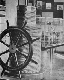 В зале № 2. Фото в путеводителе «Музей морского флота СССР», 1970 г.