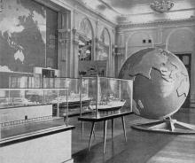 Общий вид зала № 9. Фото в путеводителе «Музей морского флота СССР», 1970 г.